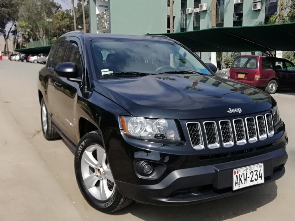 JEEP COMPASS 2015 92.000 Kms.