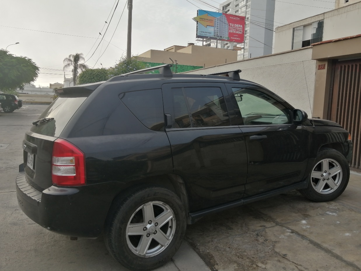 JEEP COMPASS 2007 153.000 Kms.