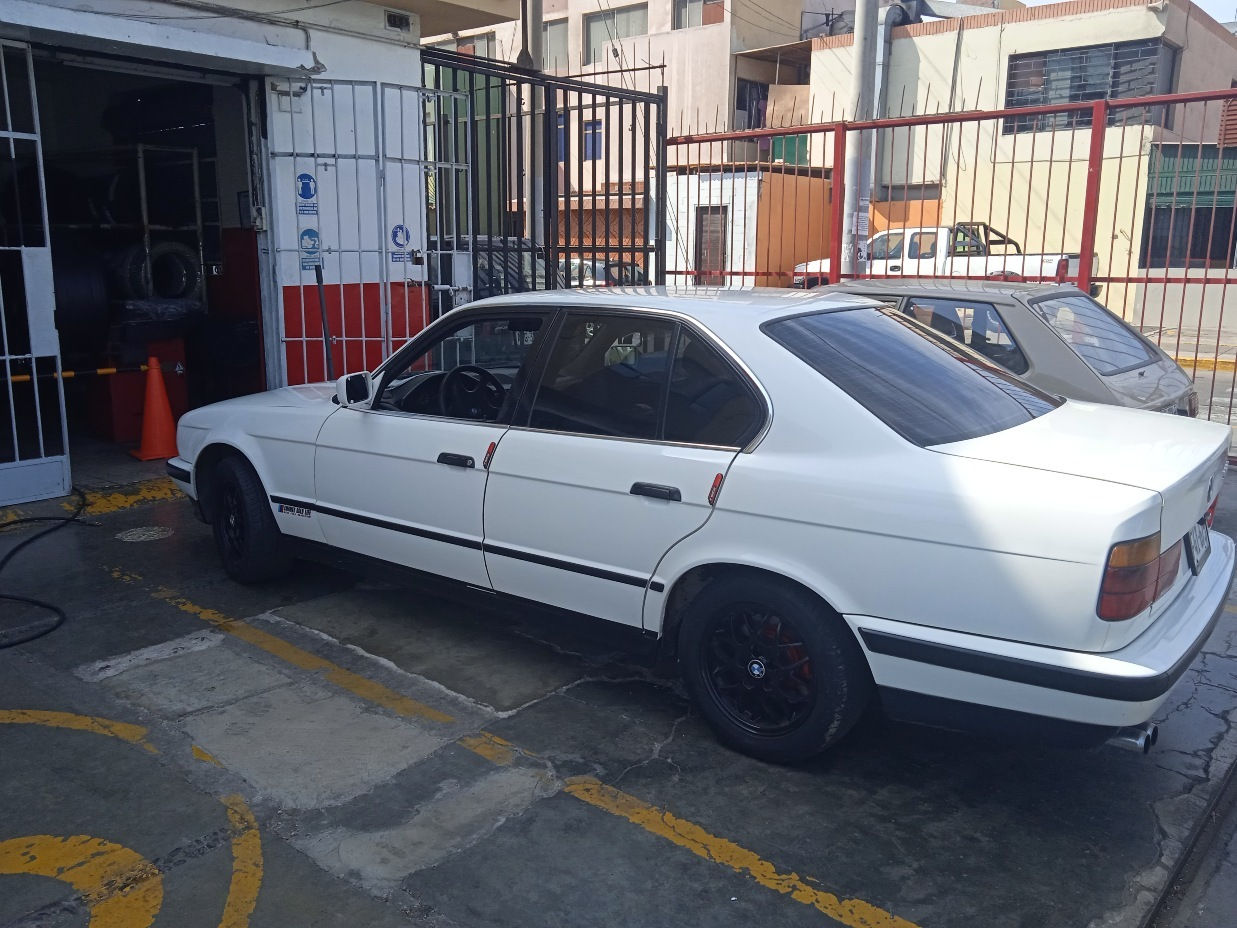BMW 520 1989 200.000 Kms.