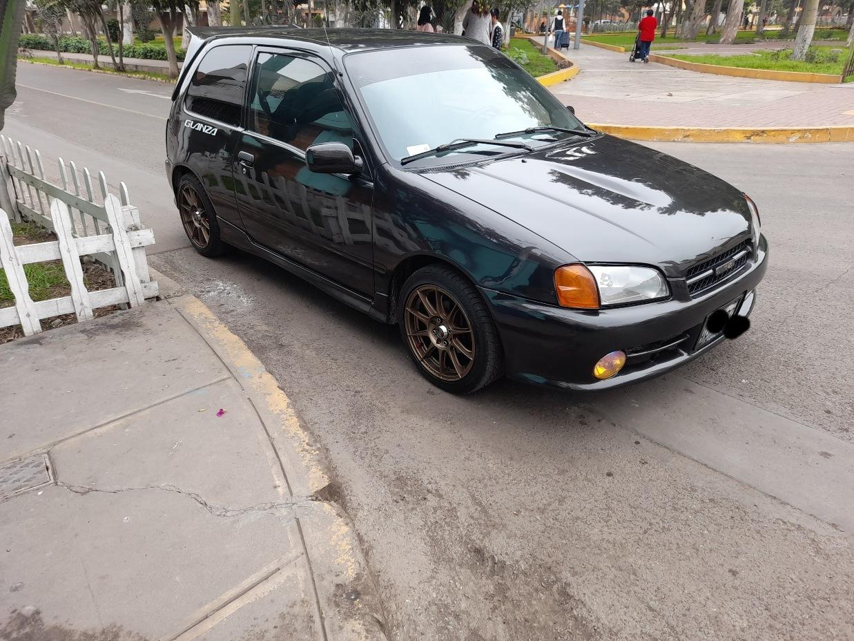 TOYOTA YARIS HB 1996 220 Kms.