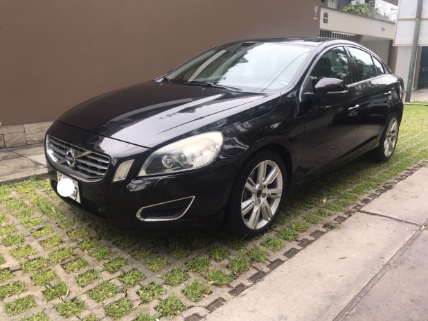 VOLVO S60 2011 83.000 Kms.